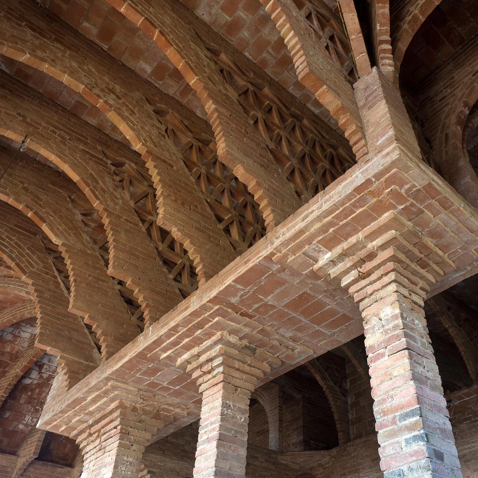 Gaudí - 38 - BadiaCasanova